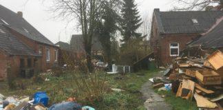 Müllhalde zwischen Loqaurder Scheune und Loquarder Hof