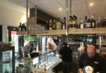 Eiscafe Bistro da Carmelo am Marktplatz in Pewsum